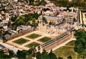AK / Ansichtskarte Fontainebleau Seine et Marne Fliegeraufnahme Le Palais Kat. Fontainebleau