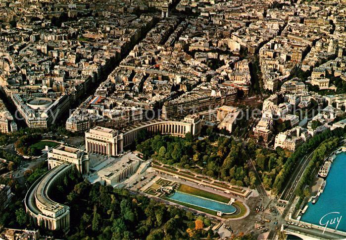 AK / Ansichtskarte Paris Fliegeraufnahme Place du Trocadero Palais de Chaillot Avenue Kleber Kat. Paris