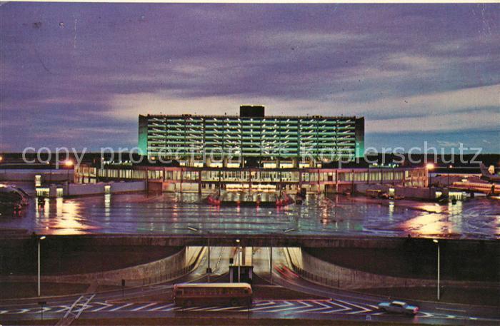 AK / Ansichtskarte Toronto Canada International Airport at night Kat. Ontario