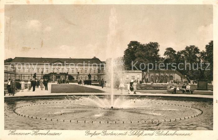 AK / Ansichtskarte Herrenhausen Hannover Grosser Garten mit Schloss und Glockenbrunnen Kat. Hannover