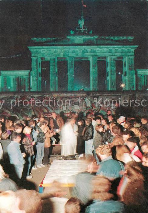 AK / Ansichtskarte Berlin November 1989 vor der Mauer Brandenburger Tor Kat. Berlin