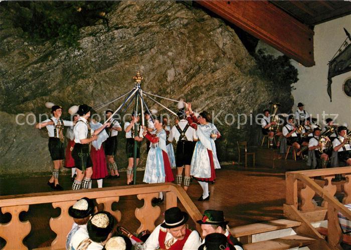 AK / Ansichtskarte Garmisch Partenkirchen Bayern Halle Volkstrachten Verein Garmisch Bandl Tanz Kat. Garmisch Partenkirchen