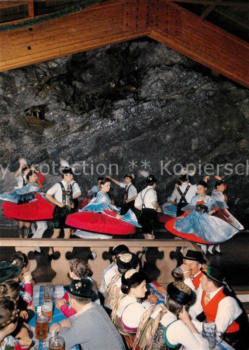 AK / Ansichtskarte Garmisch Partenkirchen Bayern Halle Volkstrachten Verein Garmisch Werdenfelser Figurentanz Kat. Garmisch Partenkirchen
