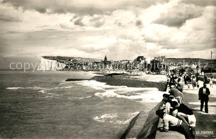 AK / Ansichtskarte Mers les Bains La plage et la digue vers les falaises d amont Kat. Mers les Bains