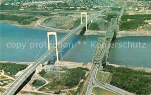 AK / Ansichtskarte Quebec Vue aerienne du vieux pont et Pont Pierre Laporte Kat. Quebec