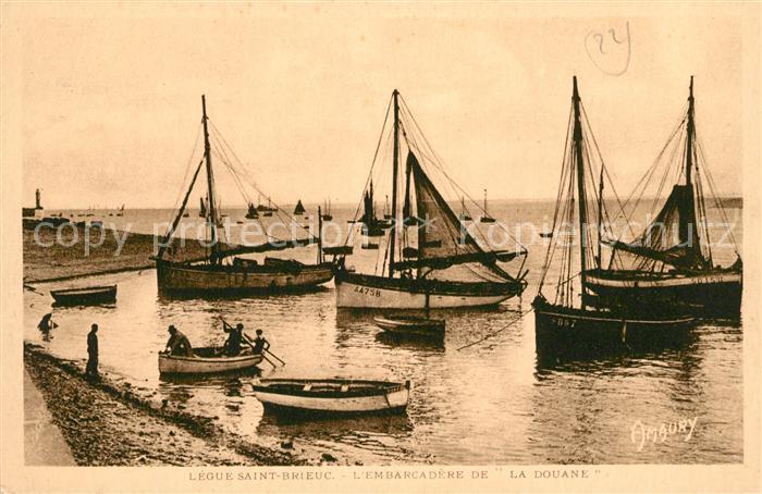 AK / Ansichtskarte Saint Brieuc Cotes d Armor La Douane Segelboote Kat. Saint Brieuc