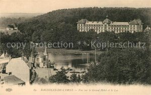 AK / Ansichtskarte Bagnoles de l Orne Vue sur le Grand Hotel et le Lac Kat. Bagnoles de l Orne