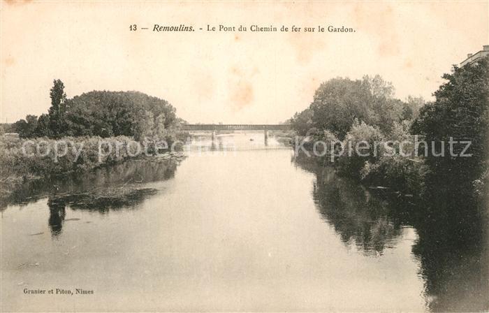 AK / Ansichtskarte Remoulins Le Pont du Chemin de fer sur le Gardon Kat. Remoulins