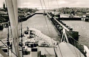 AK / Ansichtskarte Holtenau Kiel Kanaleinfahrt mit Schleusen Kat. Kiel