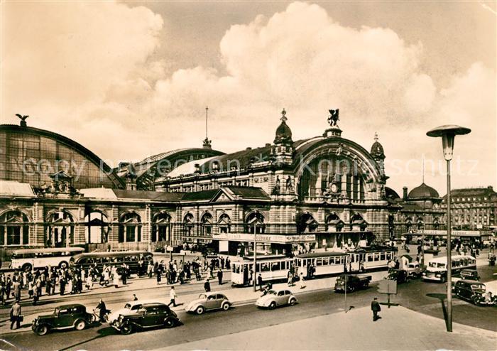 AK / Ansichtskarte Bahnhof Frankfurt am Main Hauptbahnhof Strassenbahn  Kat. Eisenbahn