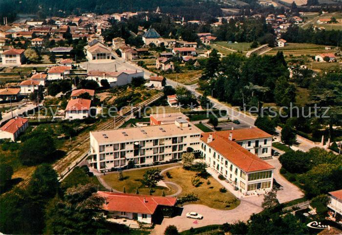 AK / Ansichtskarte Casseneuil Fliegeraufnahme Maison de retraite G. Carrere Kat. Casseneuil
