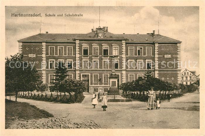 AK / Ansichtskarte Hartmannsdorf Chemnitz Schule  Kat. Hartmannsdorf Chemnitz
