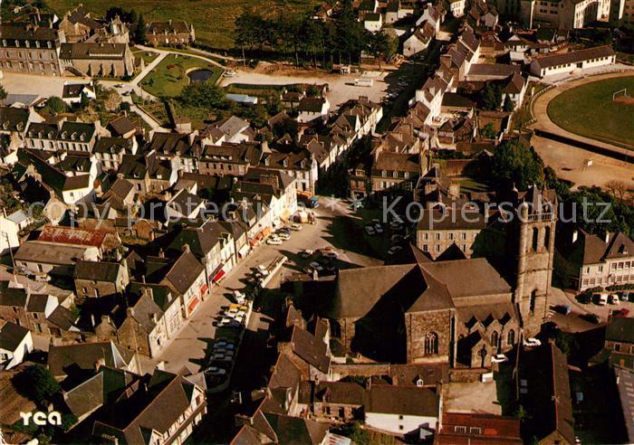 AK / Ansichtskarte Rostrenen Place de la Republique Eglise Notre Dame du Roncier Ville natale du Peintre Olivier Perrin vue aerienne Kat. Rostrenen