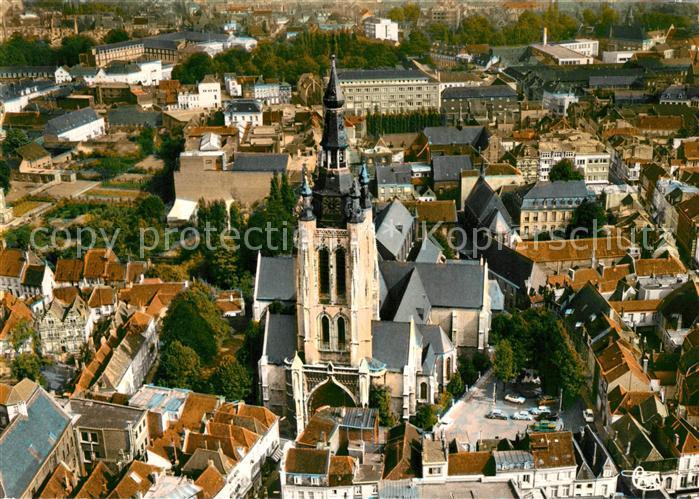 AK / Ansichtskarte Courtrai Flandre Vue aerienne Eglise St Martin  Kat. Kortrijk