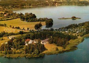 AK / Ansichtskarte Malente Gremsmuehlen Fliegeraufnahme Kellersee mit Jugendherberge Kat. Malente