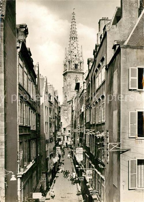 AK / Ansichtskarte Saint Malo Ille et Vilaine Bretagne La Grande Rue et la Cathedrale Kat. Saint Malo