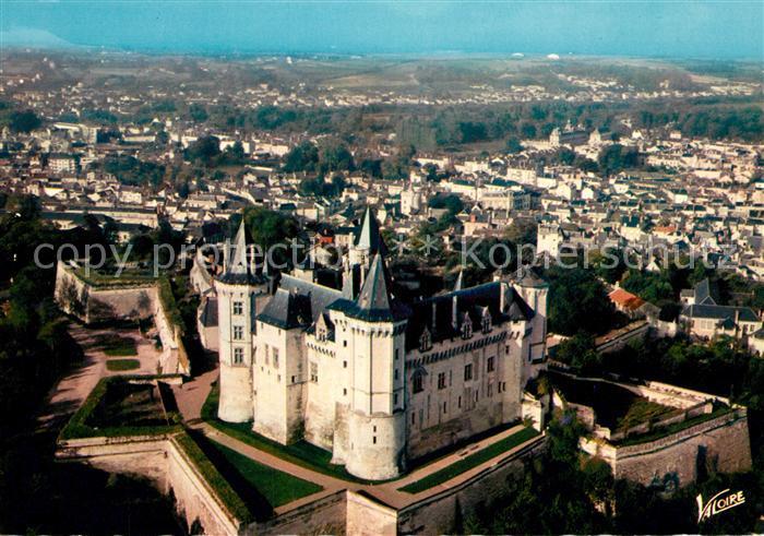 AK / Ansichtskarte Saumur Vue aerienne sur le chateau et ses remparts Saumur Kat. Saumur