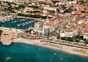 Saint Raphael Var Vue aerienne sur la plage et le port Cote d Azur Saint Raphael Var Kat. Saint Raphael