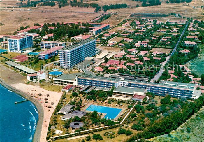 AK / Ansichtskarte Estepona Fliegeraufnahme Hotel Atalata Park Estepona Kat. Costa del Sol Malaga
