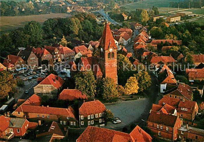 AK / Ansichtskarte Dahlenburg Ortszentrum mit Kirche Fliegeraufnahme Dahlenburg Kat. Dahlenburg