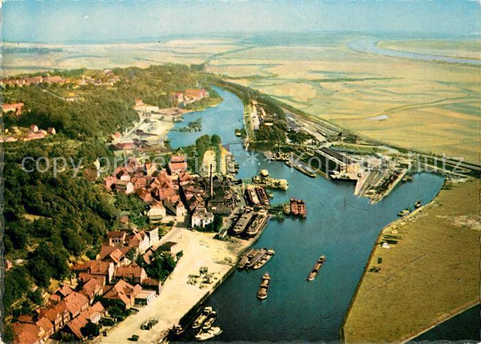 AK / Ansichtskarte Lauenburg Elbe Fliegeraufnahme Lauenburg Elbe Kat. Lauenburg  Elbe