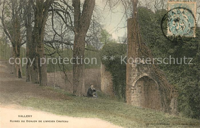 AK / Ansichtskarte Vallery Ruines du Donjon de l'Ancien Chateau Vallery Kat. Vallery