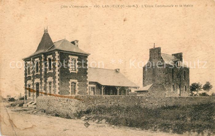 AK / Ansichtskarte Lancieux Ecole Communale et la Mairie Lancieux Kat. Lancieux