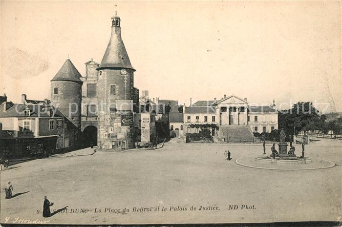 AK / Ansichtskarte Issoudun_Indre La Place du Beffroi et le Palais de Justice Issoudun Indre Kat. Issoudun