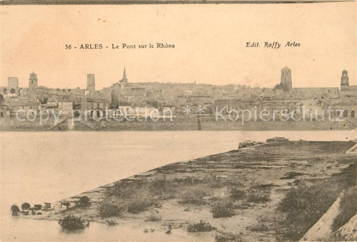AK / Ansichtskarte Arles_Bouches du Rhone Le Pont sur le Rhone Arles Bouches du Rhone Kat. Arles
