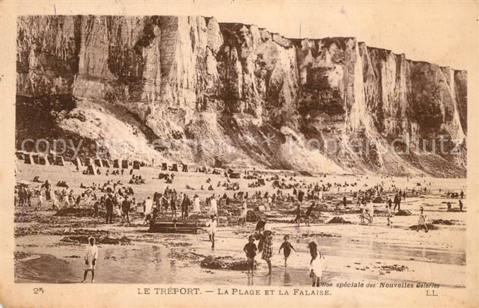 AK / Ansichtskarte Le_Treport La Plage et la Falaise Le_Treport Kat. Le Treport