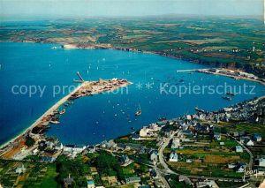 AK / Ansichtskarte Camaret sur Mer Fliegeraufnahme Port Camaret sur Mer Kat. Camaret sur Mer