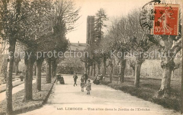 AK / Ansichtskarte Limoges_Haute_Vienne Une allee dans le Jardin de l Eveche Limoges_Haute_Vienne Kat. Limoges