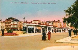 AK / Ansichtskarte La_Rochelle_Charente Maritime Place de Verdun et Parc des Autobus La_Rochelle Kat. La Rochelle
