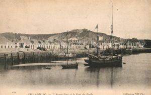 AK / Ansichtskarte Cherbourg_Octeville_Basse_Normandie Avant Port Fort du Roule Cherbourg_Octeville Kat. Cherbourg Octeville