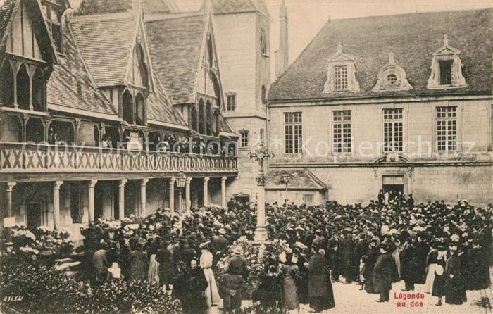 AK / Ansichtskarte Beaune d_Allier Hospices de Beaune Aspect de l'Hotel Dieu pendant la vente des vins Beaune d Allier