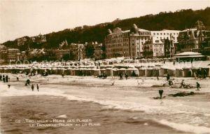 AK / Ansichtskarte Trouville sur Mer Reine des Plages Palace et la Plage Trouville sur Mer
