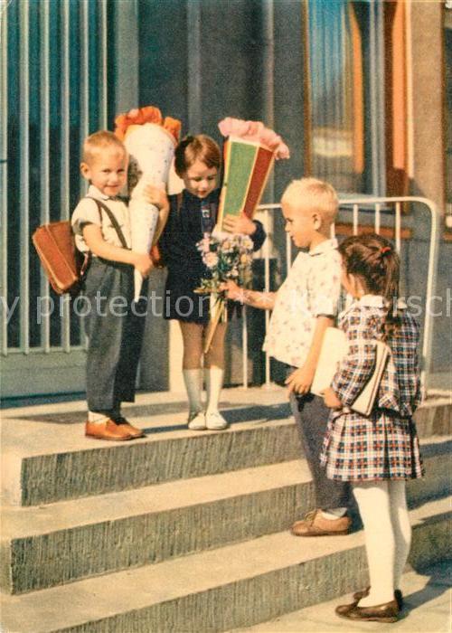 AK / Ansichtskarte Schule Kinder Schultuete Schulanfang  Schule