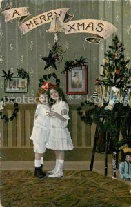 AK / Ansichtskarte Weihnachten Kinder Weihnachtsbaum Puppe Klarinette  Weihnachten