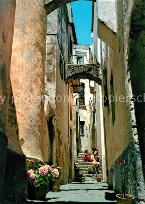 AK / Ansichtskarte Sanremo Aspetto caratteristico della Citta vecchia Altstadt Gasse Sanremo