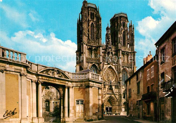AK / Ansichtskarte Toul_Meurthe et Moselle_Lothringen La Cathedrale et le portail de l'hotel de ville Toul_Meurthe et Moselle
