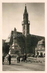 AK / Ansichtskarte Bolzano Chiesa Parrocchiale e Monumento a Walter Bolzano