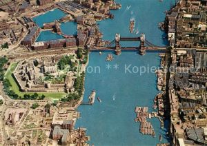 AK / Ansichtskarte London Tower of London and Tower Bridge Aerial View London