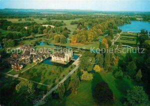 AK / Ansichtskarte Edenbridge_Sevenoaks Fliegeraufnahme Hever Castle Tudor Village  Edenbridge Sevenoaks