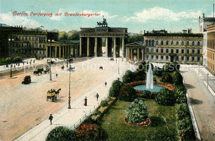 AK / Ansichtskarte Berlin Pariser Platz mit Brandenburger Tor Berlin
