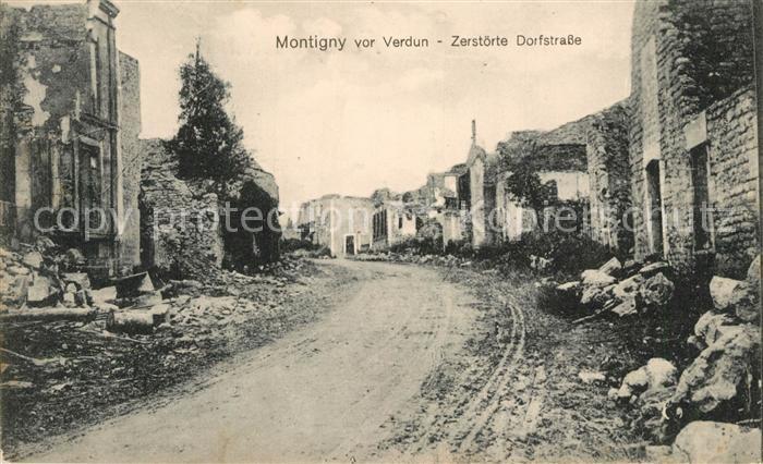 AK / Ansichtskarte Verdun_Meuse Zerstoerte Dorfstrasse Verdun Meuse