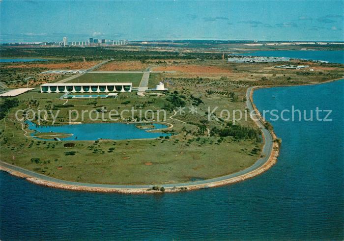 AK / Ansichtskarte Brasilia Lago Israel Pinheiro com Palacio da Alvorada vista aerea Brasilia
