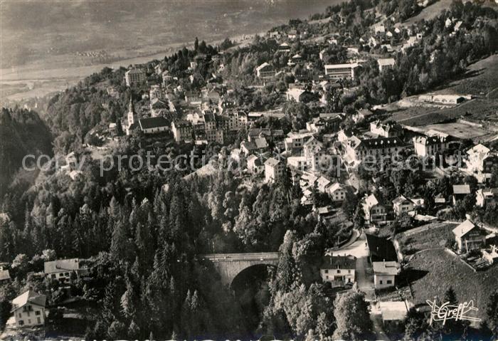 AK / Ansichtskarte Saint Gervais les Bains La Ville et le Pont vue aerienne Saint Gervais les Bains