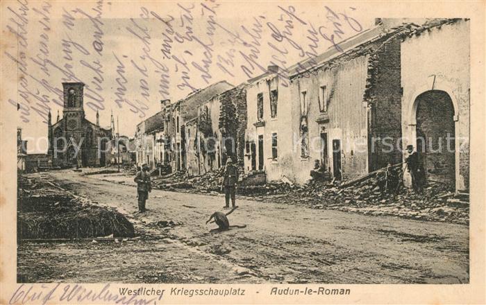 AK / Ansichtskarte Audun le Roman Soldatenpatrouille im zerstoerten Dorf Audun le Roman