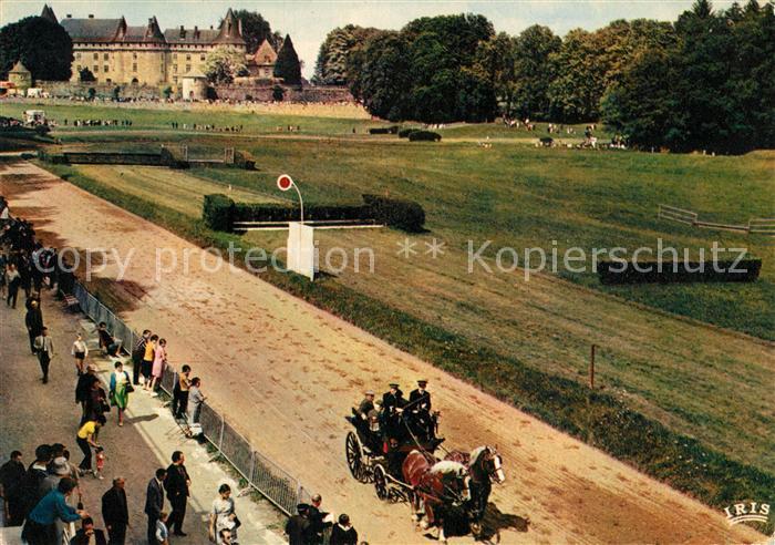 AK / Ansichtskarte Pompadour Pferdekutsche Rennbahn Pompadour