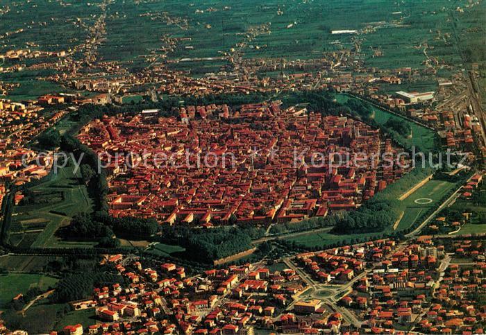 AK / Ansichtskarte Lucca Fliegeraufnahme Lucca